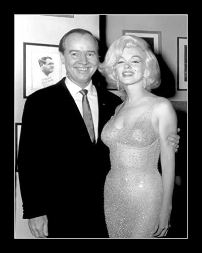 Amazon Com 8 X 10 All Wood Framed Photo Marilyn Monroe In Her Happy Birthday Mr President Dress 1962 Posters Prints