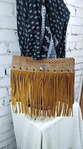 Bolso de Cuero Flap con Flecos y Ollaos Plata Trenzado Diseño Hippie
