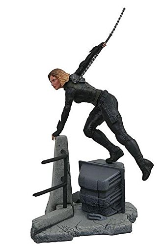 DIAMOND SELECT TOYS Marvel Gallery: Avengers Infinity War Movie Black Widow PVC Diorama Figure