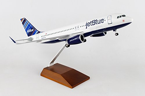 (Daron Skymarks Jet Blue A320 Barcode 1/100 with Wooden Display Stand & Gear)