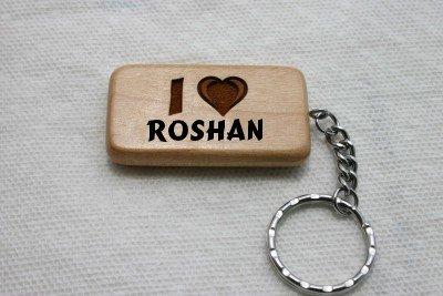 Amazon.com: Llavero de madera con I Love Roshan (Nombre de ...