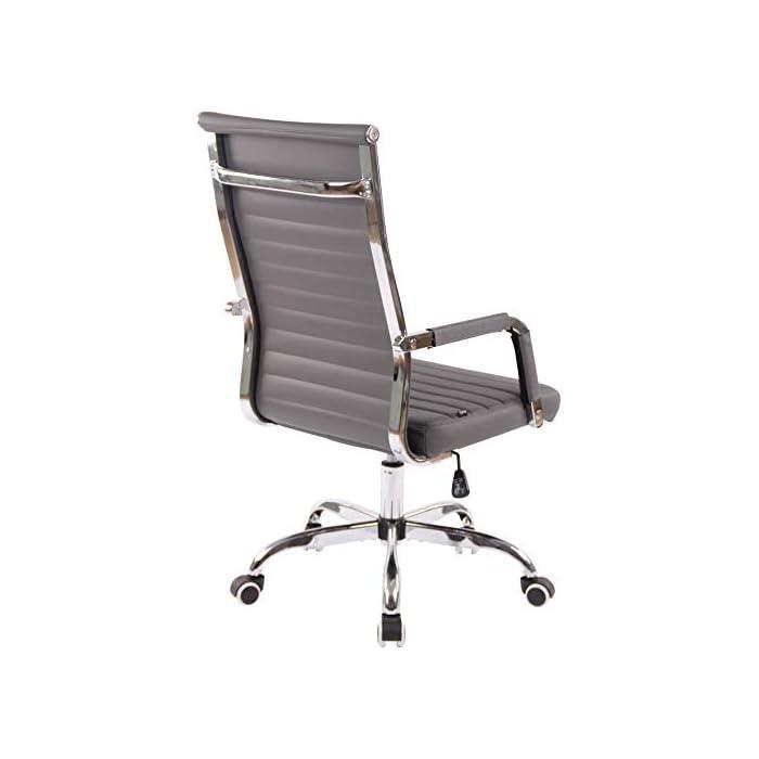 41ss 0kLlXL AJUSTABLE: La silla de oficina Amadora cuenta con un mecanismo de balanceo en el respaldo que se ajusta con el adaptador de rosca ubicado debajo del asiento, allí se encuentra también la manivela que permite ajustar la altura de la silla. El asiento puede dar un giro de 360° y gracias a las ruedas de su base permite a la unidad deslizarse por diversas superficies. MATERIALES: La estructura de la silla así como la base están hechas de metal en efecto óptico cromado brillante. La silla cuenta con un tapizado en cuero sintético (100% poliuretano), dicho material es resistente y fácil de limpiar. Las ruedas de la base son de polipropileno suave, que permite rodar con facilidad. DIMENSIONES: La silla ejecutiva tiene las siguientes medidas aproximadas: Alto: 96-106 cm I Ancho: 51 cm I Profundidad: 63 cm I Altura del asiento: 43 - 51 cm I Superficie del asiento (AxP): 46 x 49 cm I Altura del respaldo: 58 cm I Altura del reposabrazos: 19 cm I Capacidad máxima de carga: 120 kg I Peso: 11 kg.