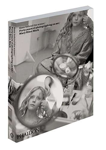Seen behind the scene. Forty years of photographing on set. Mary Ellen Mark. Ediz. illustrata (Inglese) Copertina flessibile – 30 gen 2014 Colleen Atwood Martin Bell Candice Bergen Laura Bickford