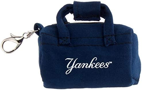 FOCO MLB New York Yankees Duffle Bag Keychain