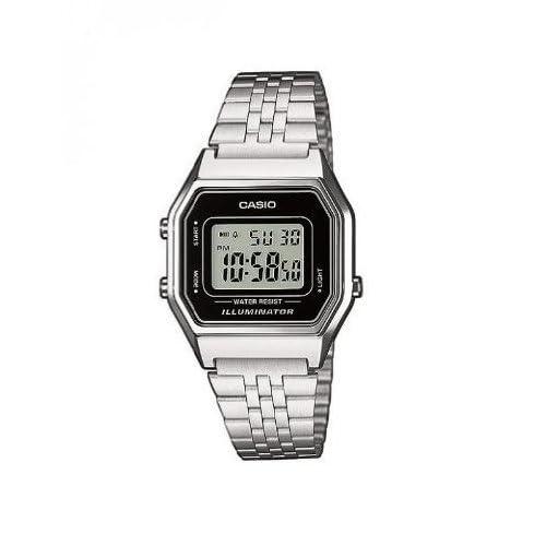 41svnG4UCaL. SS500 Incluye cronómetro, alarma diaria, calendario automático y formato de 12 o 24 horas Caja de resina y correa de acero inoxidable con cierre ajustable La duración de la batería es de 5 años