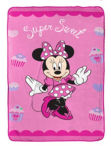 Disney Minnie Mouse Bowtique Sweet Treats Fleece 62