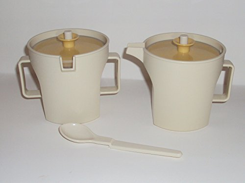 (Vintage Tupperware Sugar Bowl & Creamer - Tan w/Gold Lid)