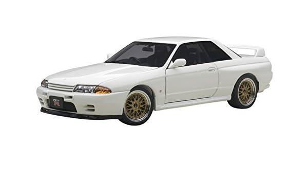 Amazon.com: Auto Art (AUTOart) AUTOart 1/18 Nissan Skyline GT-R (R32) V-Spec II Tuned version White finished product: Toys & Games