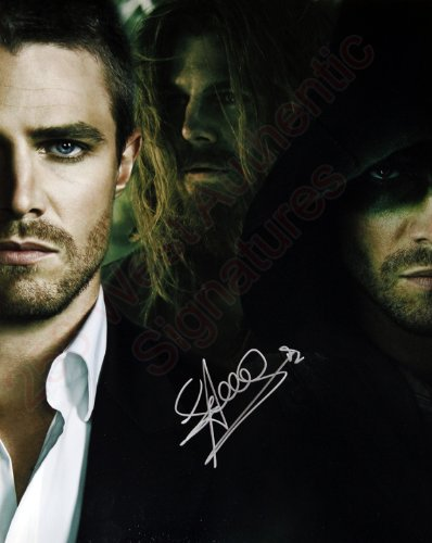 Stephen Amell Arrow Signed 11x14 Photo Hand Signed 11x14 Photo