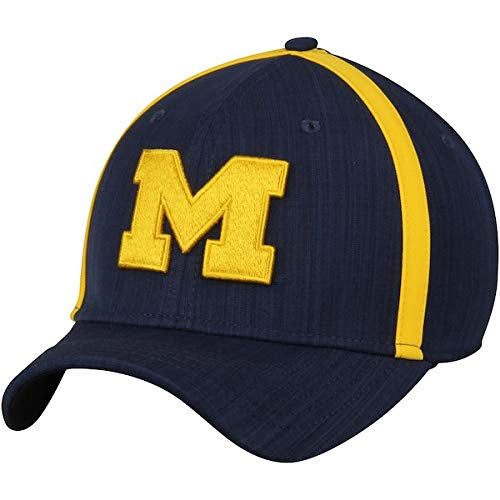on sale 2fc29 4bb41 Amazon.com   NIKE Michigan Wolverines 2017 AeroBill Sideline Swoosh Coaches  Performance Adjustable Hat   Sports   Outdoors