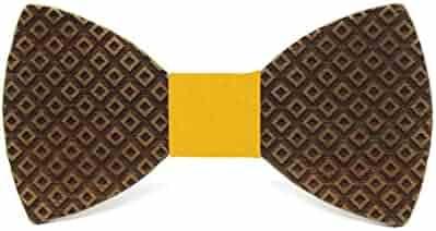 172d945f6d2b Wooden bow tie Causeway. Wedding fashion for men. Original checkered design
