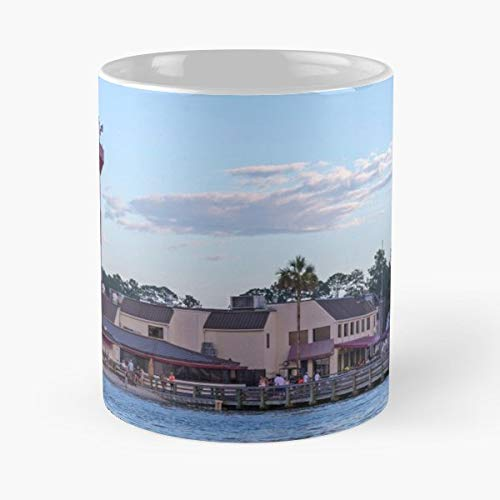 Harbor Town Golf - Lighthouse At Hilton Head South Carolina Sc Usa Harbor Harbour Seascape Architecture Beach Town Golf Salty Dog July 4th Independence Day Celebration Undefined - Coffee Mugs Ceramic