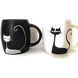 Mug sets of 2. Black and white cat couple cup. 12oz coffee and tea mug. Cat lover gift.
