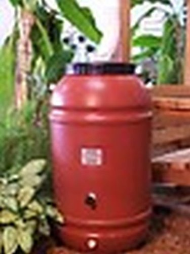 50 Gallon Plastic Barrels (50 Gallon Screw on Lid Terra Cotta Color Plastic Food Grade Rain Barrel)