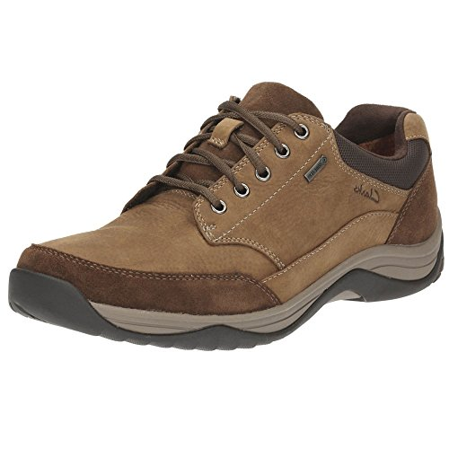 Zapato sport cordones Clarks en marrón, modelo BaystoneGo con Goretex. Tobacco Nubuck