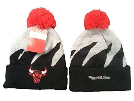 detailed look 5bc5c 038a9 Image Unavailable. Image not available for. Color  NBA Chicago Bulls  Mitchell  Amp amp  Ness Shark Tooth Beanie