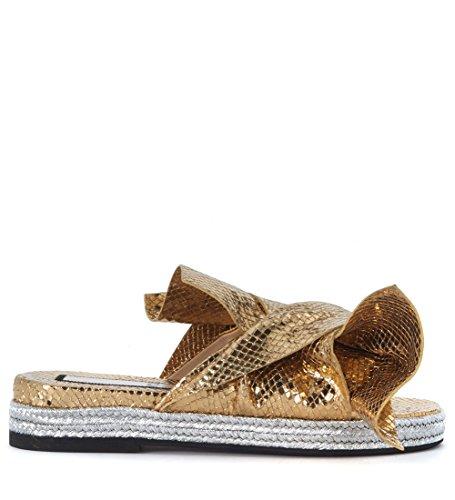 Zapatilla N°21 en piel laminada oro con lazo Dorado