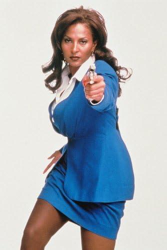 Amazon De Moviestore Pam Grier Als Jackie Brown In Jackie Brown 91x60cm Farb Posterdruck