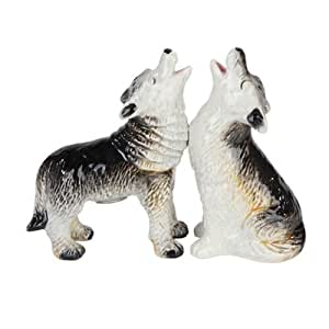 "9870 3.75"" Howling Wolves Magnetic Salt & Pepper Shakers Kitchen Set"