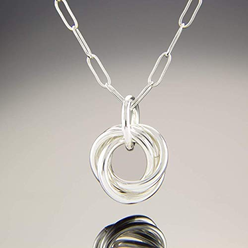 (Sterling Silver Love Knot Everyday 18 Inch Pendant Necklace)