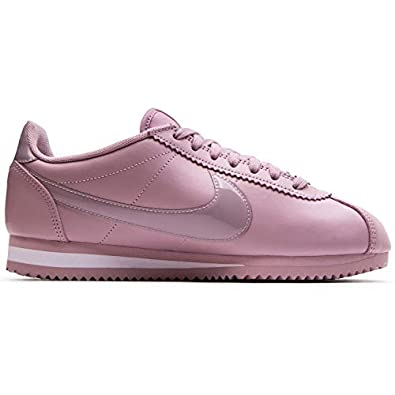 meet 646b5 969a8 Amazon.com   Nike Women s Classic Cortez Premium Plum Chalk White  905614-501   Road Running