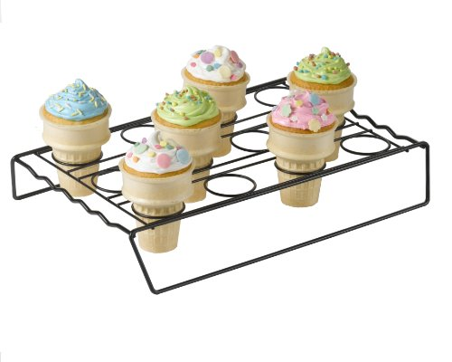 Betty Crocker Ice Cream Cone Cupcake Baking Rack]()