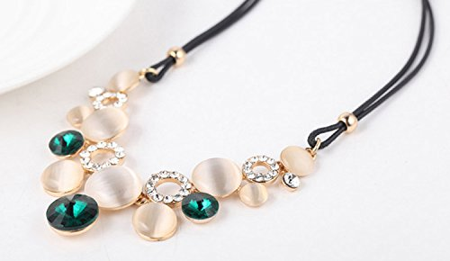 emerald green-gold color Modogirl Sweater Statement Necklace Short Chain for Women
