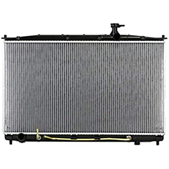 Radiator Assembly Aluminum Core Direct Fit for Hyundai Santa Fe 2.7L 2.4L New