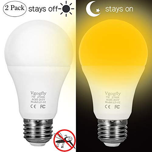Amber Yellow Bug Light Bulbs Dusk to Dawn Light Bulb 6W A19 Outdoor Porch Lights Security Smart Sensor Lighting 2000K 40W Amber LED Auto on/Off Bugs Free E26 500 Lumens (2 Pack)
