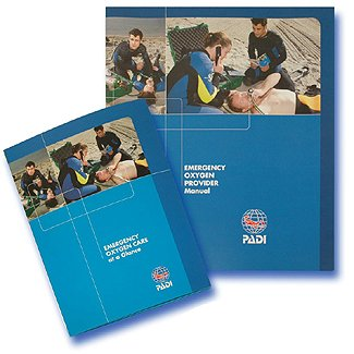PADI 60032 Emergency Oxygen Care Provider Book EFR, Scuba Dive First Aid, Scuba Dive Emergency, Authorized Dealer Full Warranty by Padi