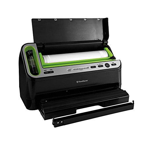 FoodSaver V4440 2-in-1 Automatic Vacuum Sealing System with Bonus Built-in Retractable Handheld Sealer & Starter Kit, Black Finish by FoodSaver (Image #1)