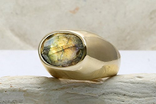 Labradorite ring,thick gold ring,solid gold ring,14k yellow gold ring,gemstone ring,gold stone ring 14k Yellow Gold Labradorite Ring