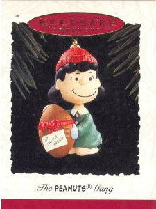 Hallmark Keepsake Ornament 1994 The Peanuts Gang Collector Series,  Lucy QX520-3 ()