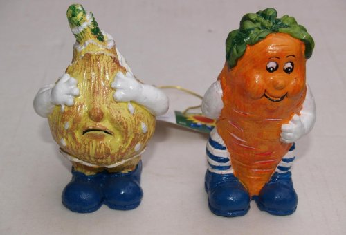 Scary & Non Scary Halloween Props / Fall Decorations (Veggie People: Seymour Onion I.C. Carrot) ()