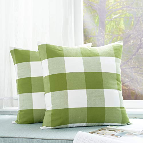 Foindtower Pack of 2 Decorative Cotton Buffalo Throw Pillow Covers Classic Check Plaid Gingham Cushion Cover Rustic Farmhouse Modern Retro Decor for Sofa Bedroom Chair 18 x 18 Inch Green White (Classic Print Pillow Pack)