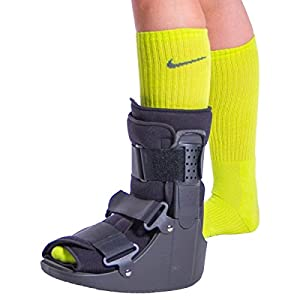 BraceAbility Short Broken Toe Boot | Walker for Fracture Recovery, Protection and Healing after Foot or Ankle Injuries (Large)