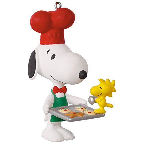 Collectible Christmas Ornament Collection (Hallmark Keepsake 2017 PEANUTS Spotlight on Snoopy Baker Snoopy Christmas Ornament)
