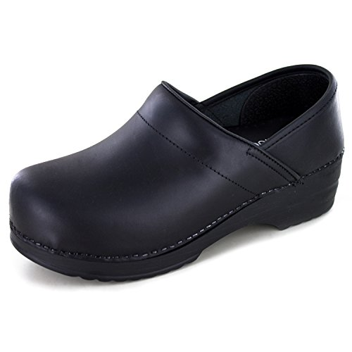 WHITE MOUNTAIN Shoes Daryn Women's Clog, Black/Leather, 39 M by WHITE MOUNTAIN