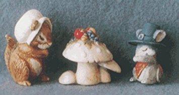 Hallmark Merry Miniatures Giving Thanks 1996