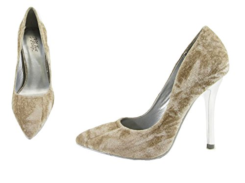 Delicious Womens Cindy Pointy Toe Velvet Single Sole Classic Pump Beige *B 8Zyt8