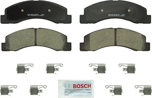 Bosch BC824 QuietCast Premium Ceramic Disc Brake Pad Set For Ford: 2000-2005 Excursion, 2001-2004 F-250 Super Duty, 2001-2004 F-350 Super Duty; Front ()