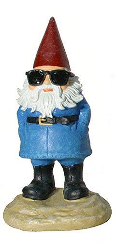 travelocity-sunglass-roaming-gnome