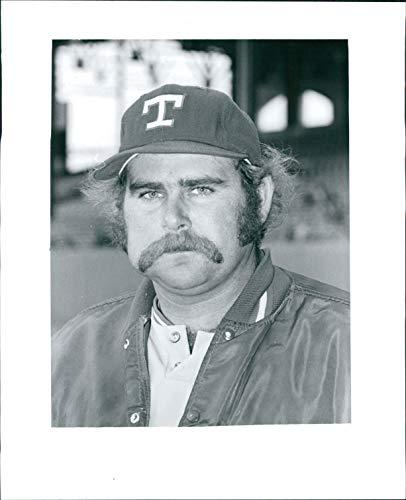 Vintage Photos 1976 Press Photo Sports Steve Foucault Texas Rangers Pitcher Major Baseball 8x10