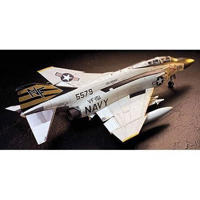 Tamiya America, Inc 1/32 F4J Phantom II, TAM60306: Toys & Games