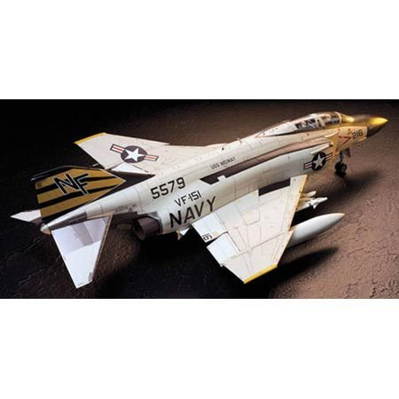 Tamiya America, Inc 1/32 F4J Phantom II, TAM60306