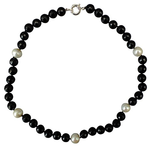 Stunning, Large White cultured pearl and Striking Black Agate necklace with a Silver clasp
