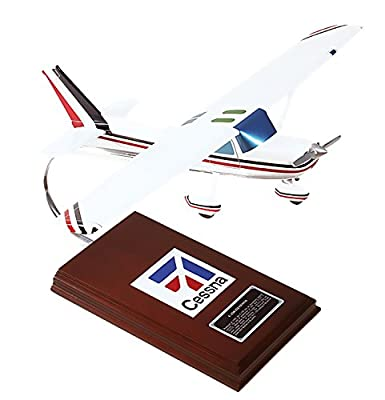 Mastercraft Collection Cessna Model C-150/152 Model Scale:1/24