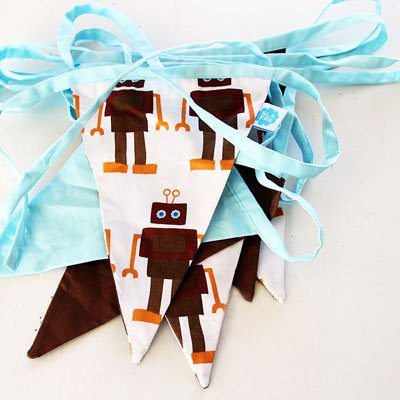 Blafre Robot Fabric Bunting White/Brown/Blue