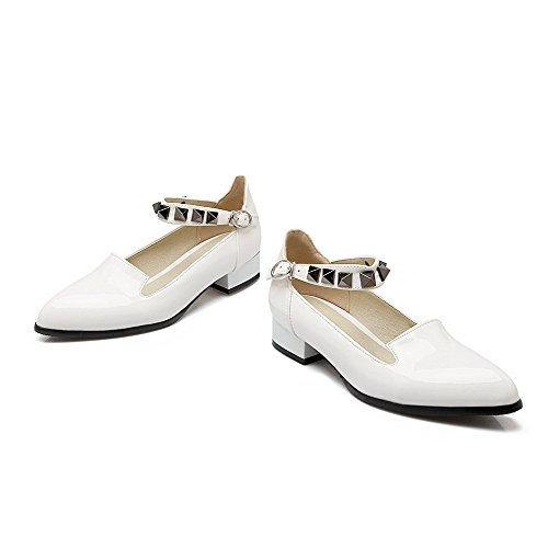 Amoonyfashion Dames Lage Hakken Solide Gesp Lakleer Puntige Dichte Teen Pumps-schoenen Wit