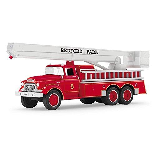 Fire Engine Ornament (Hallmark 2016 Christmas Ornament 1959 GMCÆ Fire Engine Fire Brigade Ornament)